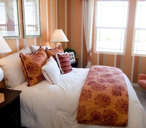 Pretty bedroom ideas two colors home interiors for Pretty bedroom ideas