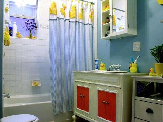 Blue Bathroom Ideas Gratifying You Who Love Blue Color: Rubber Ducky Bathroom Decor