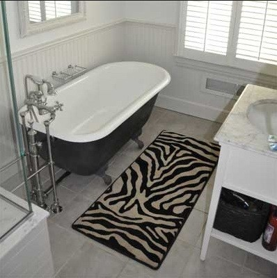Zebra print bathroom decor bring up the nature sensation for Bathroom ideas zebra print