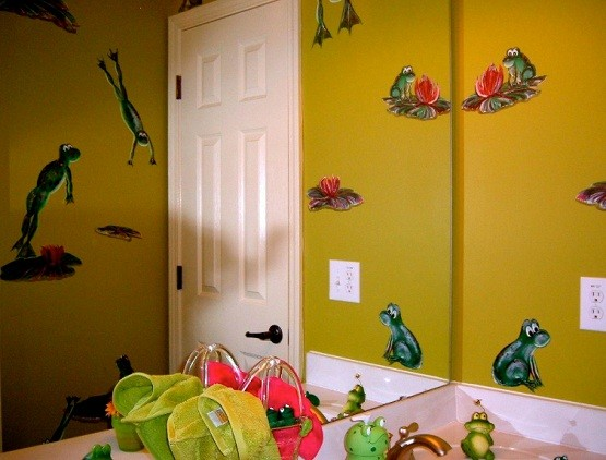 Frog yellow green bathroom home interiors for Yellow and green bathroom ideas