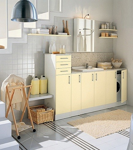 Laundry Room Ideas on Simple Small Laundry Room Organization Ideas    Simple Cream Laundry