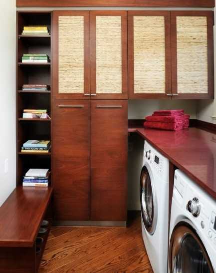 Simple well organized contemporary small laundry room Home