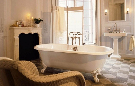 Vintage Style Bathroom With Clawfoot Tub Home Interiors