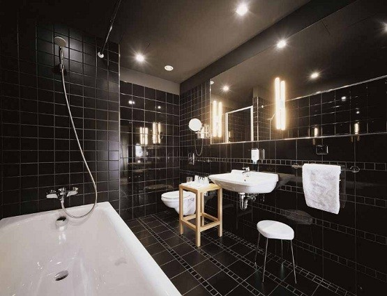 Bathroom flooring ideas bathroom design home interiors for Bathroom ideas dark floor