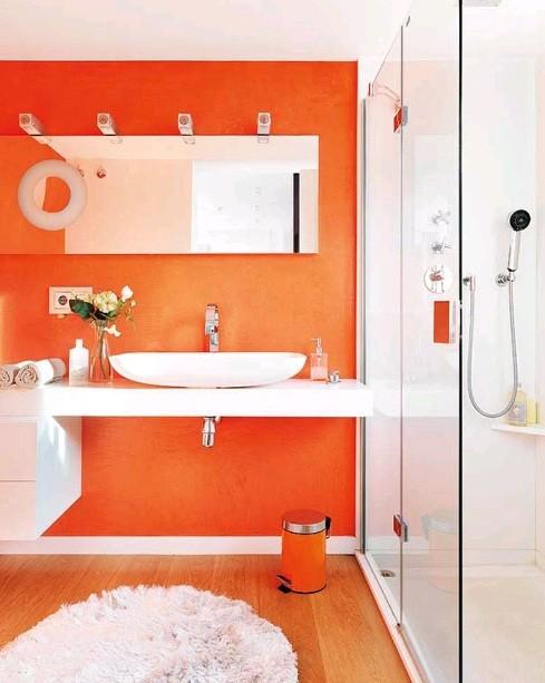 Orange and white bathroom home interiors for Apartamentos sencillos y bonitos