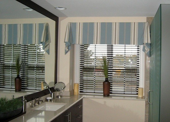 Bathroom curtain with calm color Bathroom Curtain Ideas   What You Need To Think Before You Get It