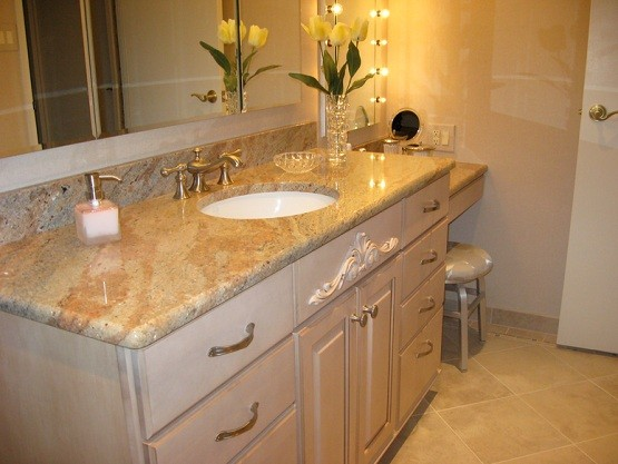 Bathroom vanity ideas for touch up your bathroom home for Bathroom granite countertops