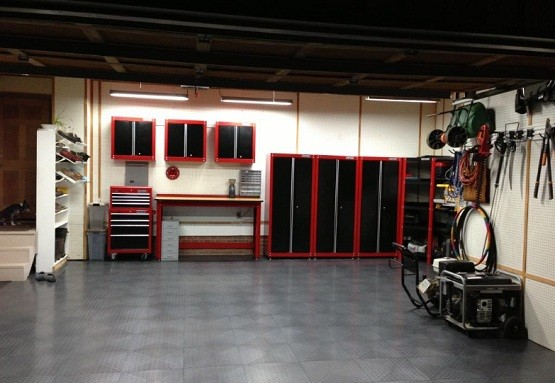 Craftsman garage cabinets review home interiors for Cool garage interior designs