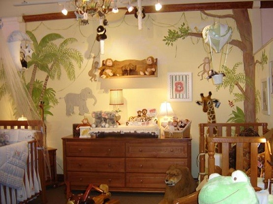 Wooden kid bedroom furniture with animal-themed decor