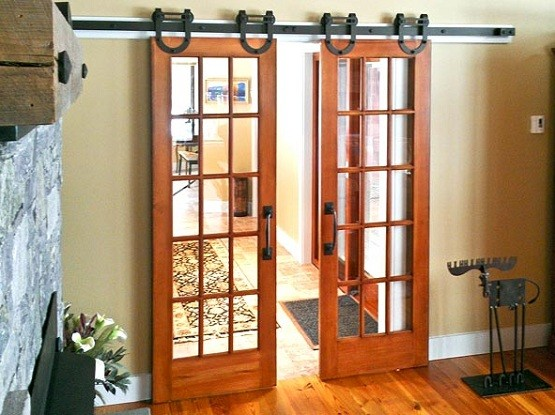 Interior barn door kit with glass panel