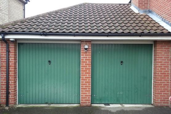 Double size twin garage doors style