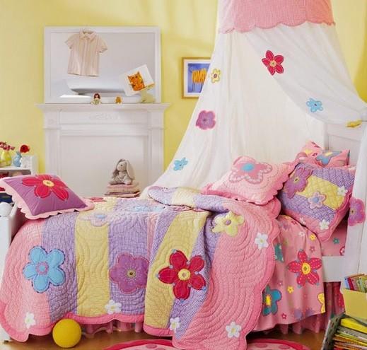 White flower bed canopy for girls