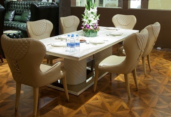 Delicieux Tufted Dining Room Chairs Bring Simplicity » Cream Leather Tufted Dining  Room Chairs With White Dining Table