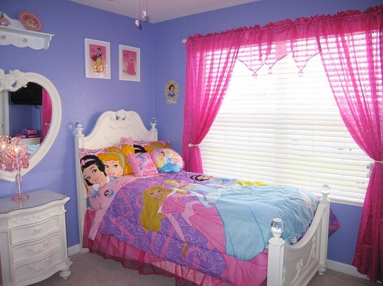 How to decorate disney princess bedroom set for your lovely daughter home interiors for Disney princess bedroom furniture