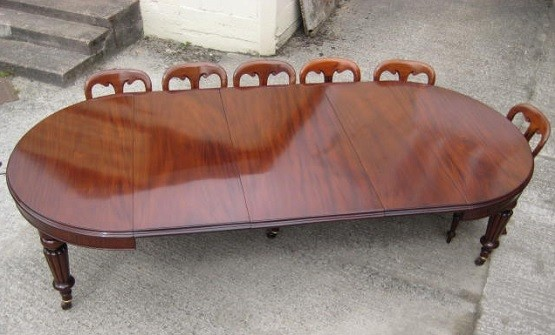 Large Victorian MAHOGANY 12 seat dining table