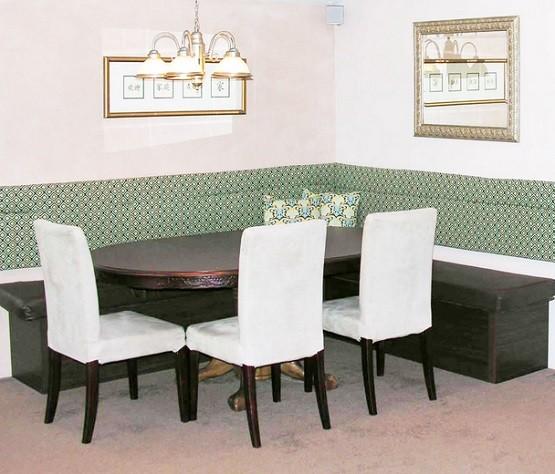 round farmhouse table ideas home interiors. Black Bedroom Furniture Sets. Home Design Ideas