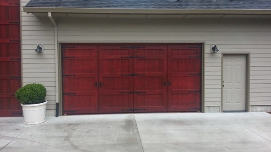 Bi Fold Garage Doors Designs for Your House