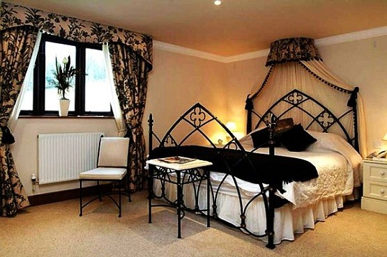 Simple Gothic Style Bedroom Furniture Home Interiors