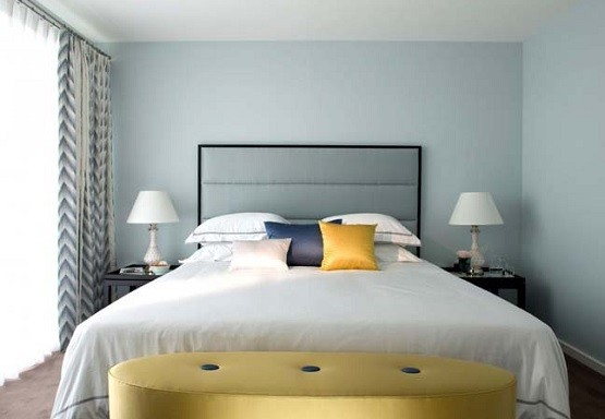 Yellow bench design for bedroom