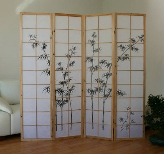 Living room with decorative shoji bamboo room dividers