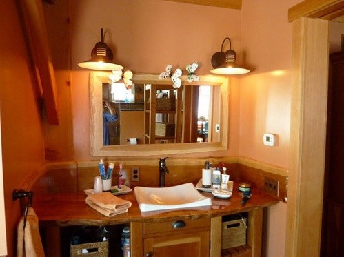 Rustic vanity sconces bathroom lighting ideas home interiors Bathroom sconce lighting ideas