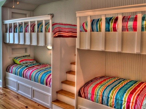 twin bunk beds with stairs buying tips home interiors. Black Bedroom Furniture Sets. Home Design Ideas