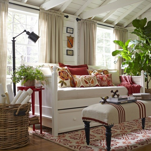 White daybeds with storage for perfect room decoration