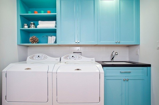 Blue laundry room cabinet ideas for beach style