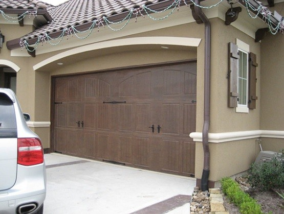 Best time to paint garage door