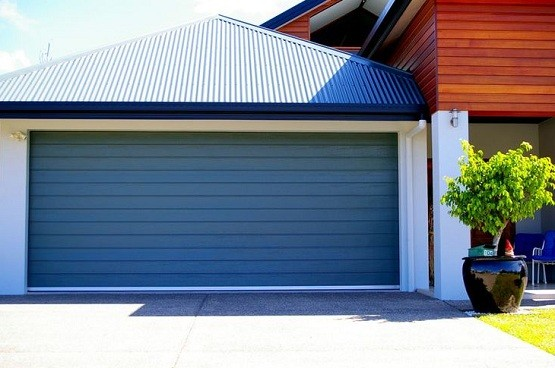 Double garage door size with steel-line garage