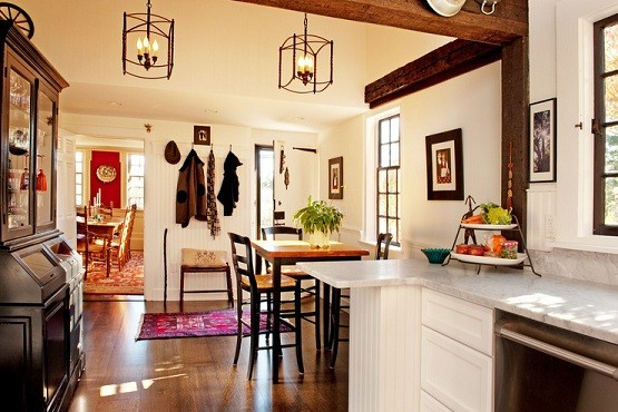 Farmhouse dining room lighting with simple design