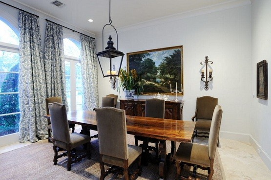 Lantern chandelier for dining room with wood table