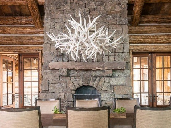White finish rustic lighting for dining room with antlers candle holder