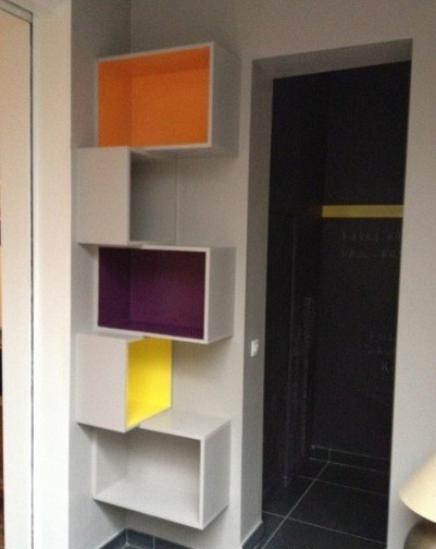 Colorful corner shelf to beautify your home
