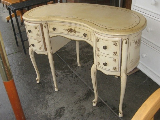 This desk also comes in without-drawer models. Influenced by contemporary  style, this. Kidney Shaped Desk As Unique ... - Antique Kidney Shaped Desk Antique Furniture