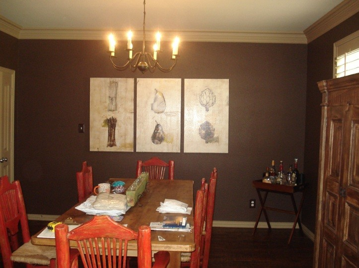 Accent wall color for dining room with wooden furniture for Dining room wall colors