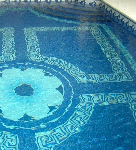Blue and white decorative pool tiles ideas