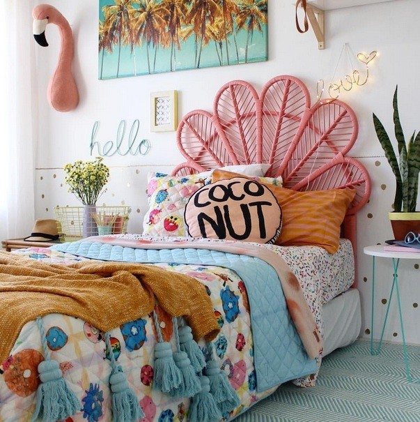 Stylish Ideas of Beach Themed Bedroom for Teenager